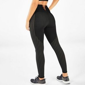 Fabletics Conquer Legging Kelly Rowland Bungee M